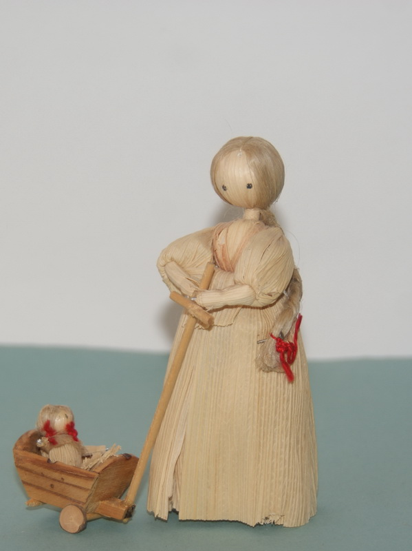 Куколка с ребенком